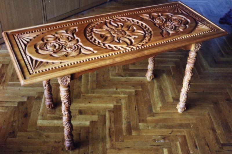 Decorwood.net furniture unique coffee table with wooden carving